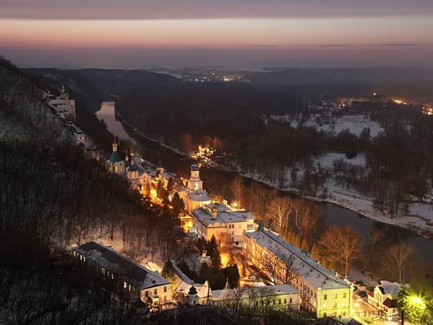 Новый год в Святогорской лавре. 31 декабря - 1 января